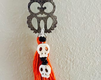 Halloween orange tassel neacklace.
