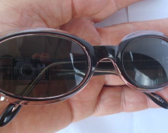 Retro Vintage Sunglasses, Vintage 1980s Style, Black Purple Color Plastic Sunglasses