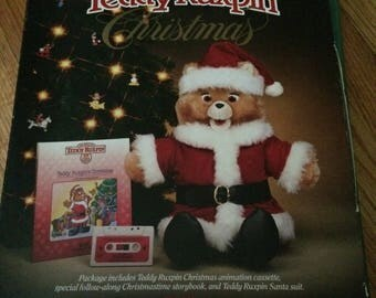 Teddy Ruxpin Christmas tape, book and Outfit Mew
