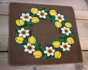 Vintage table cloth - flowers- retro Sweden, scandinavian design 1970s