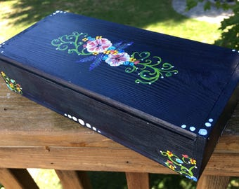 Hand-painted floral box, floral jewelry box, Hand-painted keepsake box, Floral recipe card box