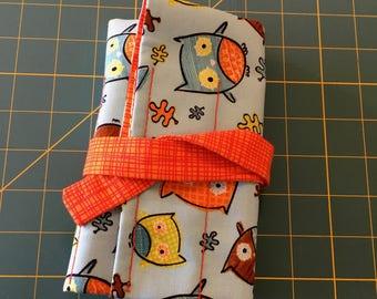 7 pen wrap - owls and orange check
