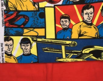 Star Trek Fleece Blanket/ Star Trek / Captain Kirk / Spock / Star Trek blanket / red shirt / trekkie