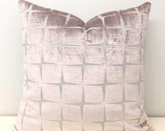 Luxury Powder Pink Velvet Pillow Cover, Pink Pillow, Velvet Pillow, Designer Pillows, Decorative Throw Pillow,Velvet Cushions,Velvet Pillows