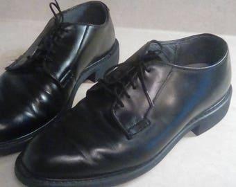 Bates Vibram Long Wearing Non Marking Mens Black Leather Shoes size 9 1/2