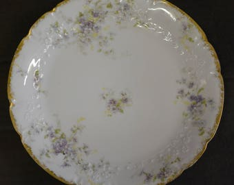 GDA Limoges Purple Floral Pattern with Scalloped Edge Gold Plate