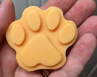Strawberry cute paw print Soy Wax Tart Melt approx 30g