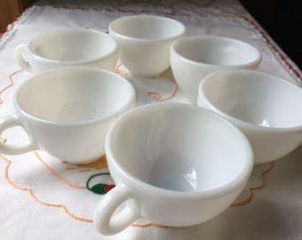 Beautiful set of 6 Vintage Pyrex Milk Glass Coffee Cups