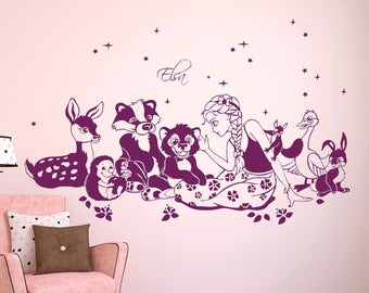 Wall Decal Princess Elsa with animals and custom name M1609