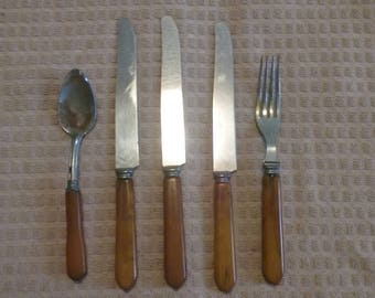 Vintage Bakelite Silverware/Antique Kitchenware/Brown/Caramel Handle/Set of Five(5)/Spoon/Fork/Knife/Replacement/Collectable/Classic/Used