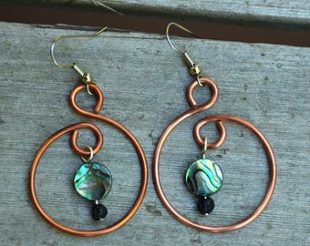 Handmade earrings with recycled copper and abalone