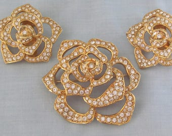 90's Elizabeth Taylor Brooch and Clip Earring Set For Mothers Day, Easter, Kentucky Derby, Dinners, Weddings, And Proms