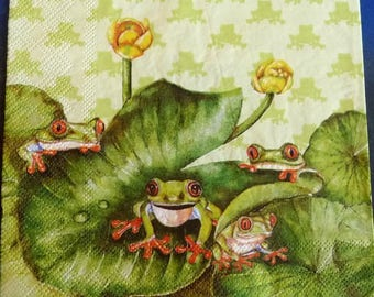 Paper towel frogs on Lily pad