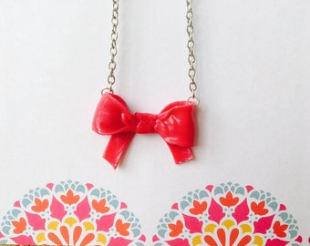 Cute kawaii pink bow necklace