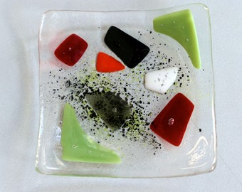 Small fused dish, red and green