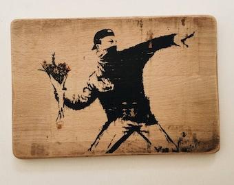 Flower Thrower - Inspired by Banksy - Street Art - Graffiti - stencil - estarcidos - arte urbano - Bristol - transfer print - reclaimed wood