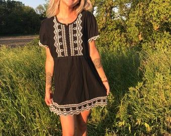 Vintage Dress 90s Lace Embroidered Boho Hippie Grunge Babydoll / Malibu Moonlight Dress