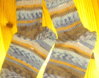 Knit socks for men size 44/45.