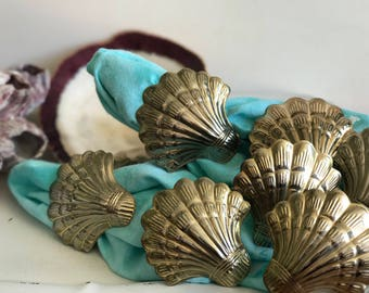 Brass-toned Clam Shell Napkin Rings Set of 6 | Napkin Holder Clam Shell Brass-toned | Seashell Napkin Holder | Vintage Napkin Holder