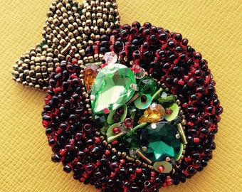 Jewelry embroidery  sead beaded Brooch red hot summer Garnet