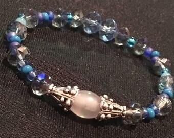 M/L sea of dreams blue faceted bracelet