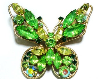 "Pretty Vintage 1960s Green Rhinestone Butterly Brooch Unsigned Weiss? 2x2"" Size"