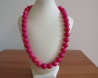 SOLD 21/6 2017 fushia color jade stone pearls 14 mm size necklaces 50 cm long with gilded metal carabin lock and eye