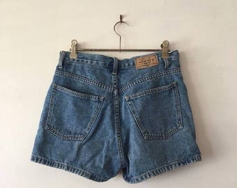 Jeanswest 1972 Highwaisted Denim Button-up Shorts