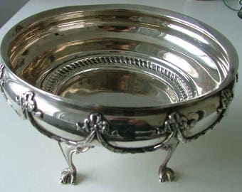 Antique early 20thC Edwardian sterling silver hallmarked centrepiece bowl / bon bon dish. 1910.