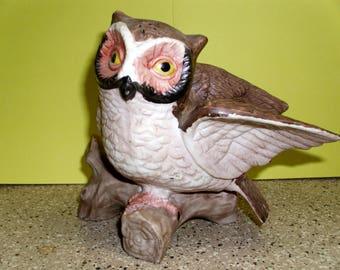 Vintage Ceramic Owl Figurine/ Sculpture