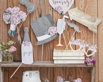 Beautiful Wedding Day Photo Booth Props Rustic Country