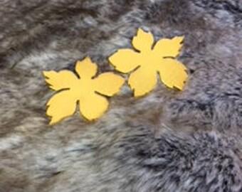 Leaf shaped elegant earrings
