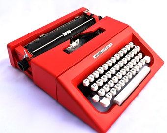 Vintage Working Italian Typewriter - Red Olivetti 25