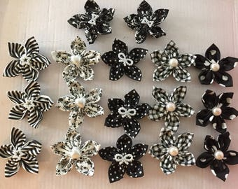 17 flowers kanzashi Yo-Yo fabric flower, hand made, to customize your creations, embellishment purse, hairclip, brooch, jewelry, scrapbooking