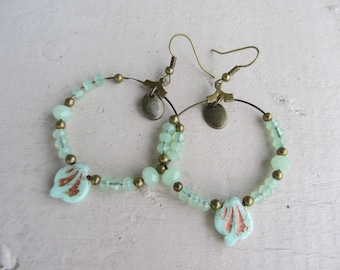 "Earrings Bohemians and ""nature"" with soft tones, hoop earrings with bronze metal, water green glass beads, leaf charm"