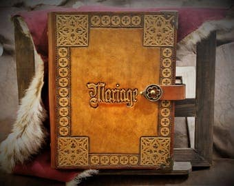 Guestbook wedding notebook medieval grimoire luxury Gothic fantasy fairytale-inspired leather