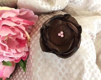 5.5 cm Brown organza and satin flower