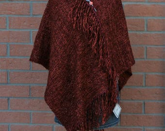 Wool poncho boucle Burgundy fabric by hand to the frame