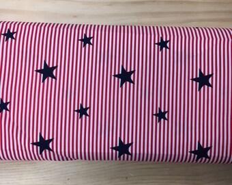 Tissu de coton imprimé etoile bleu marine fond blanc rayures rouge 150 cm largeur