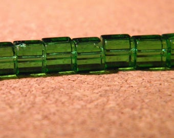 45 beads style glass crystal square of green 6 mm - 4 PE276