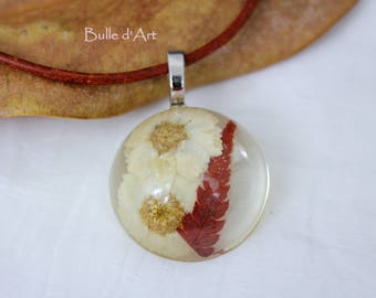 """""""Flowers"""" resin pendant necklace"""