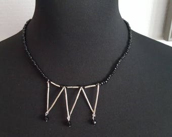 Necklace triangle pattern and black seed beads