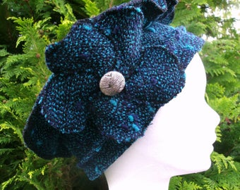 Beret Royal blue wool accented e dot turquoise