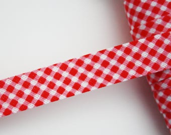 Through red and white gingham, Plaid, 18 mm, 1 m pre-plisse