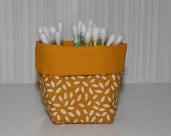 Q-tips - reversible - yellow and white - petal pattern basket