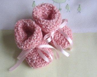 Baby booties 0/3 months pink/orange colors - handmade knit