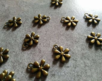 set of 2 charms flower 13 mm x 11 mm