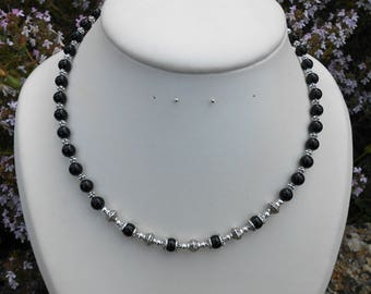 Necklace (length 43 cm) black agate beads