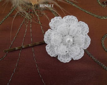 white crochet flower Hair barette