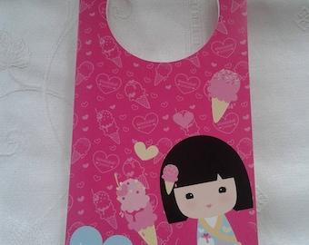 Pink door plaque, fuchsia with logo kokenshi kimmodoll for children